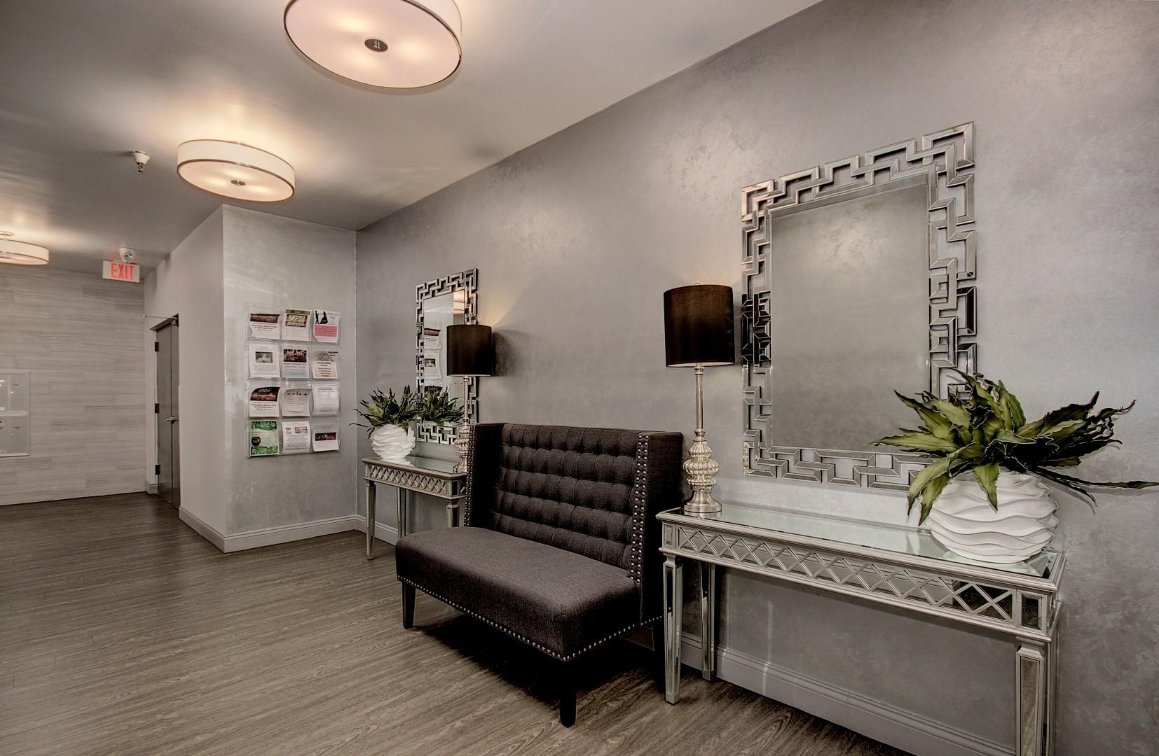 : Scottsdale Shadow's Lobby's : CASA DEL REY HOMES